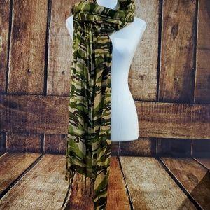 Camo Fashion Scarf - Pristine Condition!